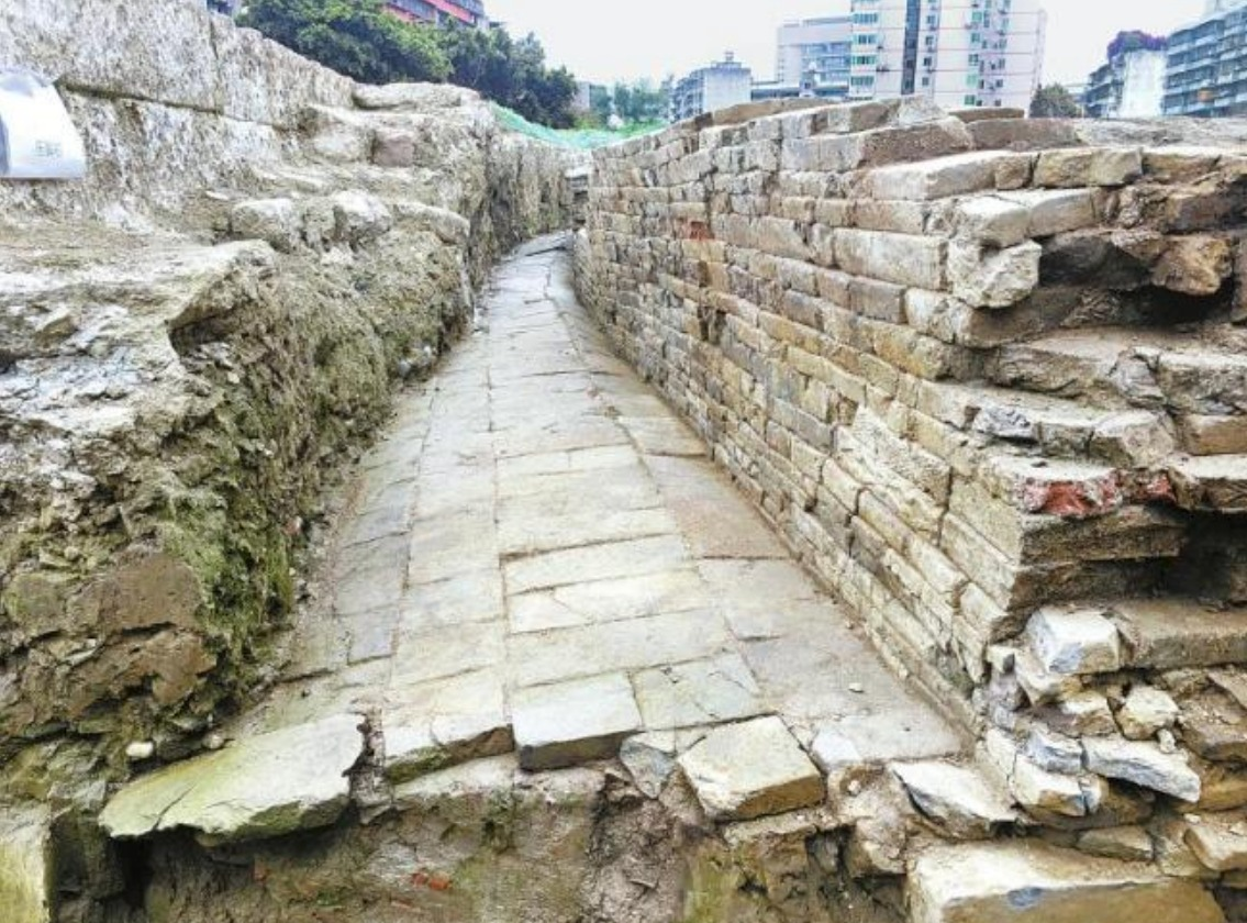 В Чэнду вновь были обнаружены городские стены династии Тан