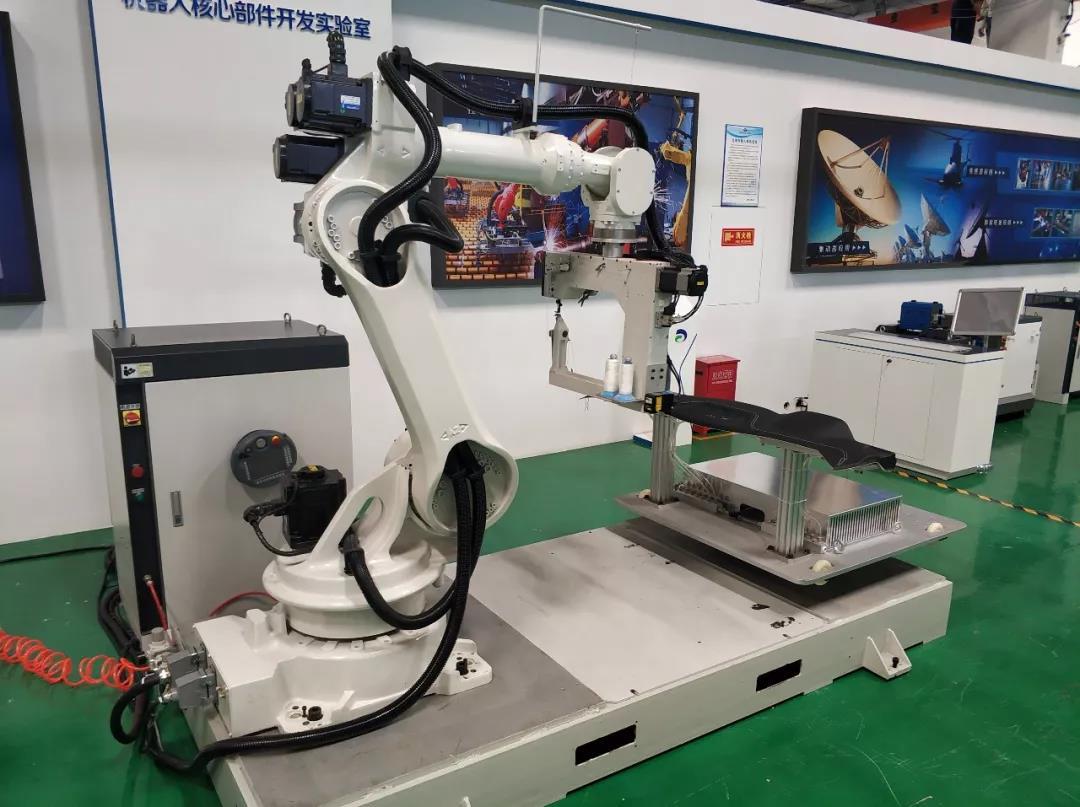 Робот-швея