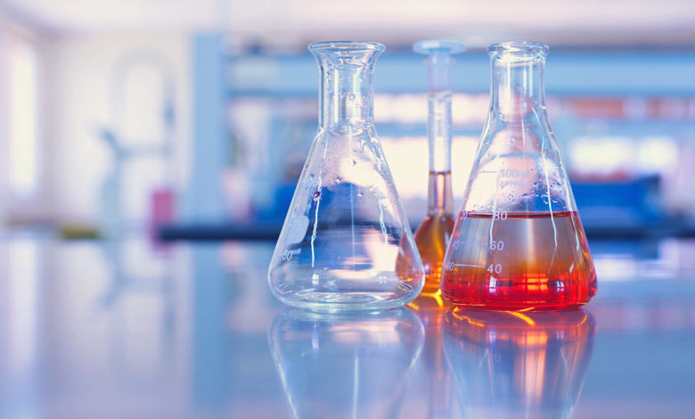 8 сильнейших кислот, известных нам