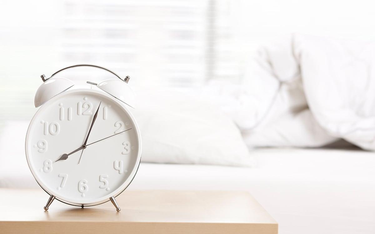 Почему мы часто просыпаемся незадолго до будильника?